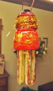 Bolbeta reciclada per a guarnir l'arbre de Nadal