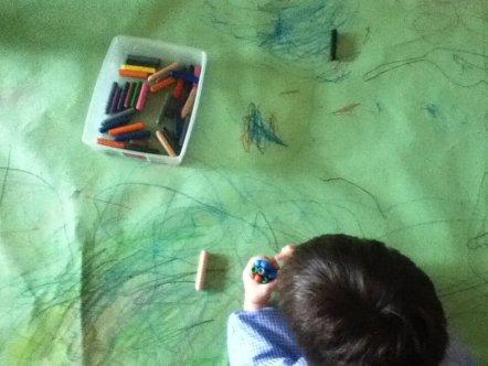 Sessió d'artteràpia amb infants de preescolar